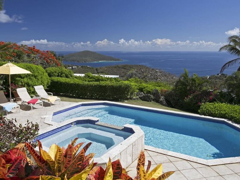 Exquisite villa, centrally located and close to Magen's Bay!, holiday rental in North Side