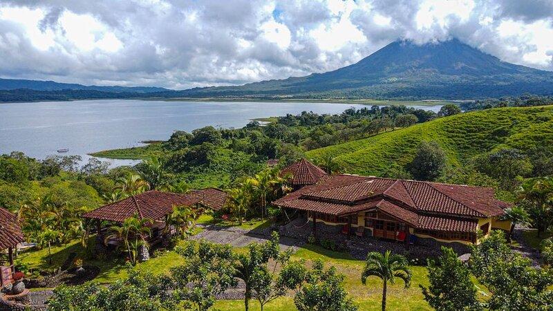 PieintheSky3,LakeArenal.CostaRica