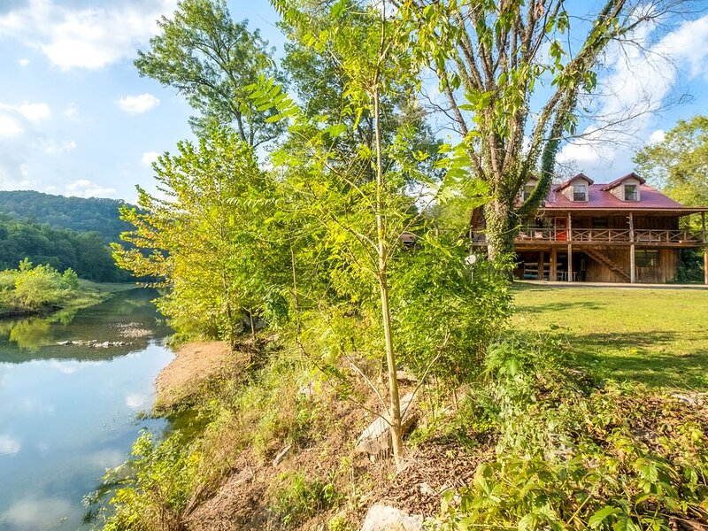 Jane's Bend~ ON Sylamore Creek with Kayaks, casa vacanza a Mountain View