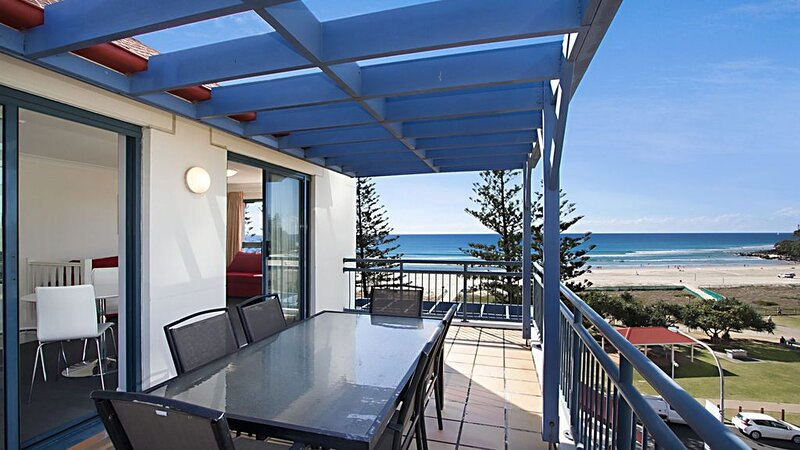 Calypso Plaza Resort Unit 462 Resort style complex on the beachfront in the hear, holiday rental in Coolangatta