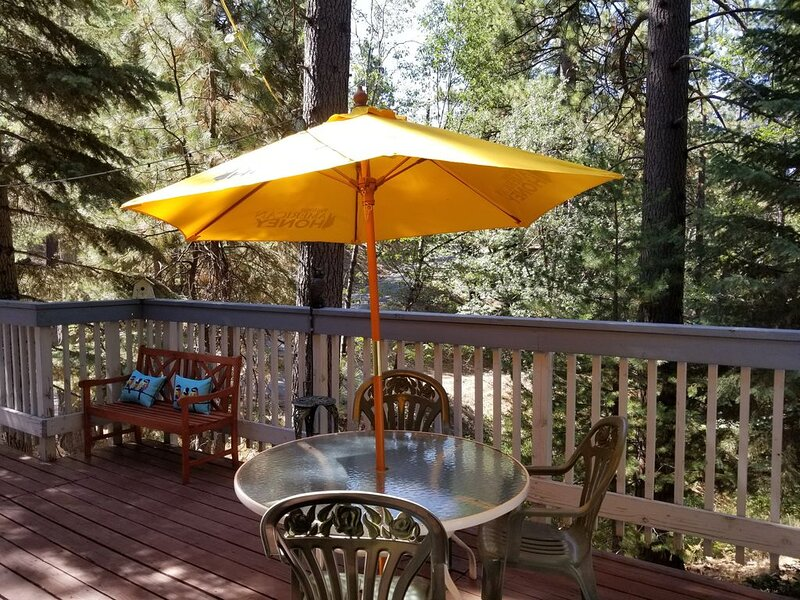 Grandma & Grandpa's  kid friendly home in Arrowbear, vacation rental in Running Springs