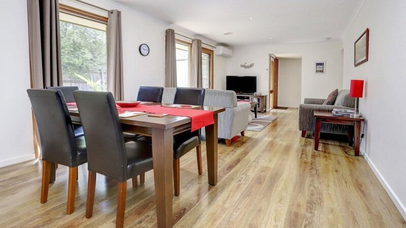Live Like A Local! Close to golf courses and beaches!, holiday rental in McCrae