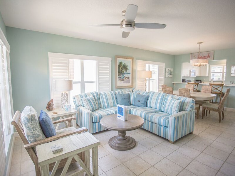 Aloha Kai - 2 beautful unit and close to pool!, vacation rental in Siesta Key