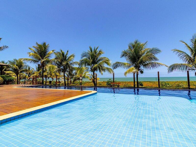 IT03 Bangalô Duplex 3 Suítes Pé na Areia, Itacimirim, location de vacances à Jenipabu