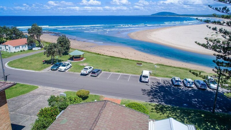 FRESHWATER, Gerroa -  4pm check out Sundays!, holiday rental in Gerroa
