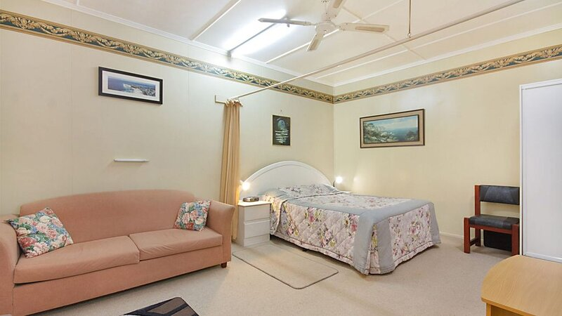 Point Danger Lodge Unit 10- Handy to everything that Tweed and Coolangatta has t, location de vacances à Fingal Head