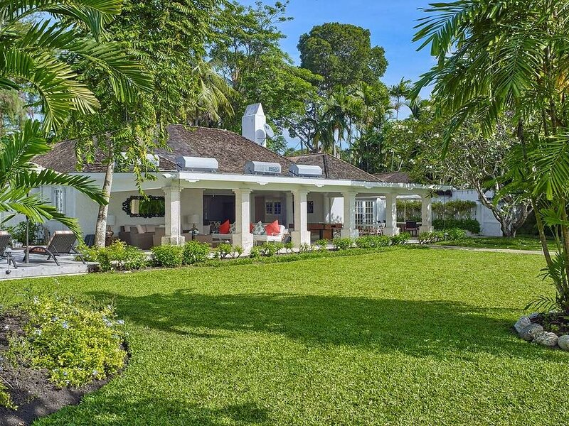 High Trees Luxury villa, holiday rental in Gibbes
