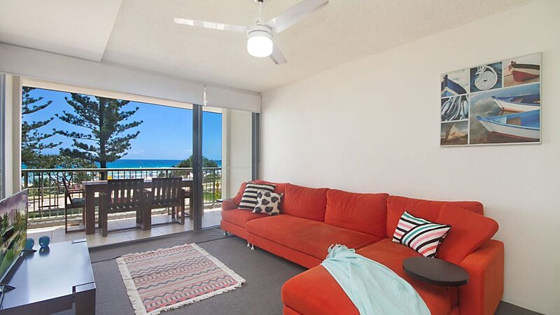 Kingston Court Unit 7 Great location for a family holiday, holiday rental in Coolangatta