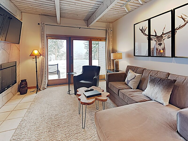 Timberline Deluxe Ski-In/Ski-Out One Bedroom/One Bath Condo, alquiler vacacional en Marble
