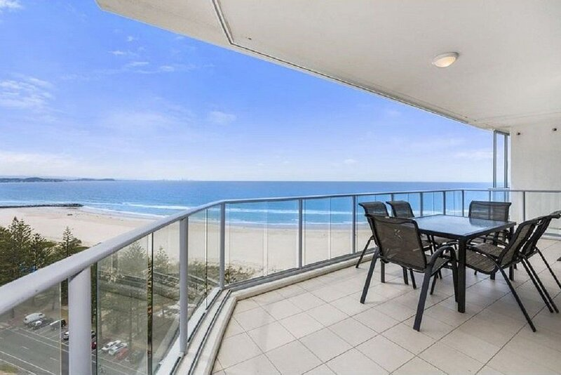 Reflections 3bed Apartment with ocean views, vacation rental in Coolangatta