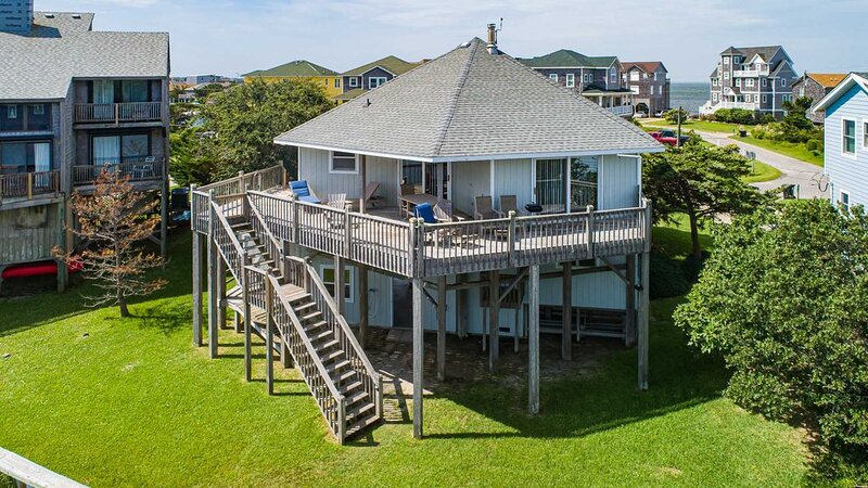 Salty T - Stunning 3 Bedroom Canalfront Home in Frisco, holiday rental in Frisco