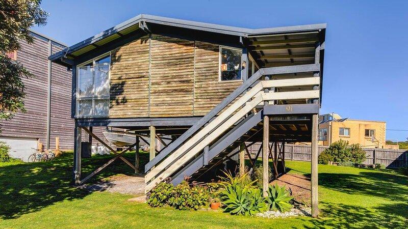Ocean Reach Retreat - sleeps 4, vacation rental in Cape Woolamai