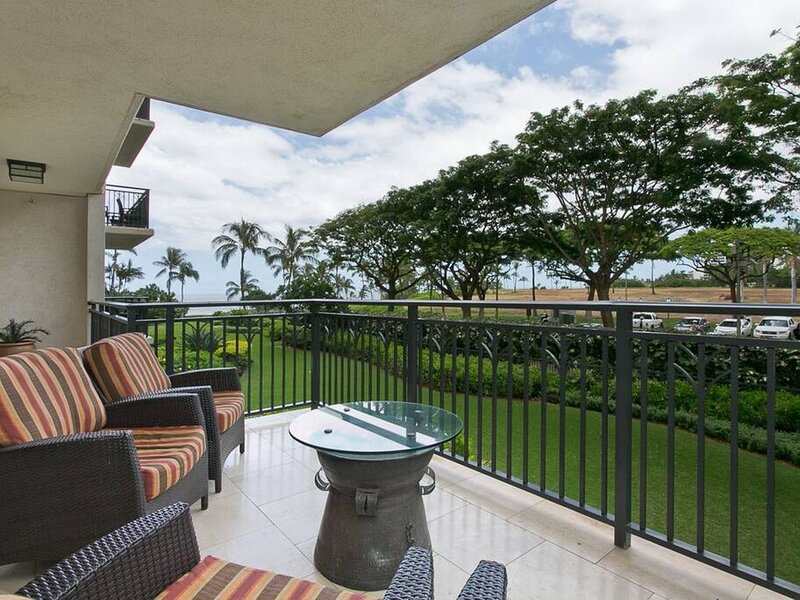 KBV B202 · Idyllic 2F Garden View Unit! 2Bed & 2Bath, location de vacances à Kapolei