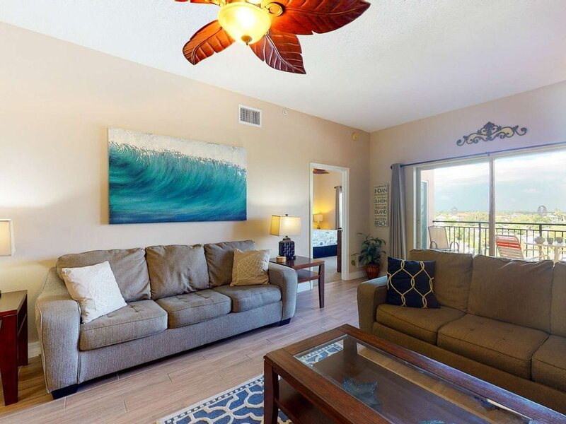 Spacious Condo in a New Resort and Spa.  Two King Beds.  Two Private Balconies!, vacation rental in Madeira Beach