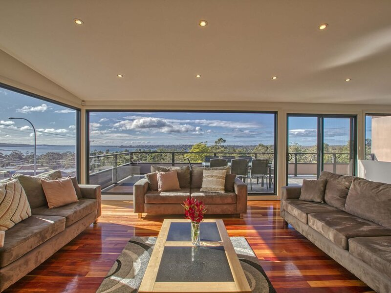 Georges Bay Luxury St.Helens, holiday rental in St Helens