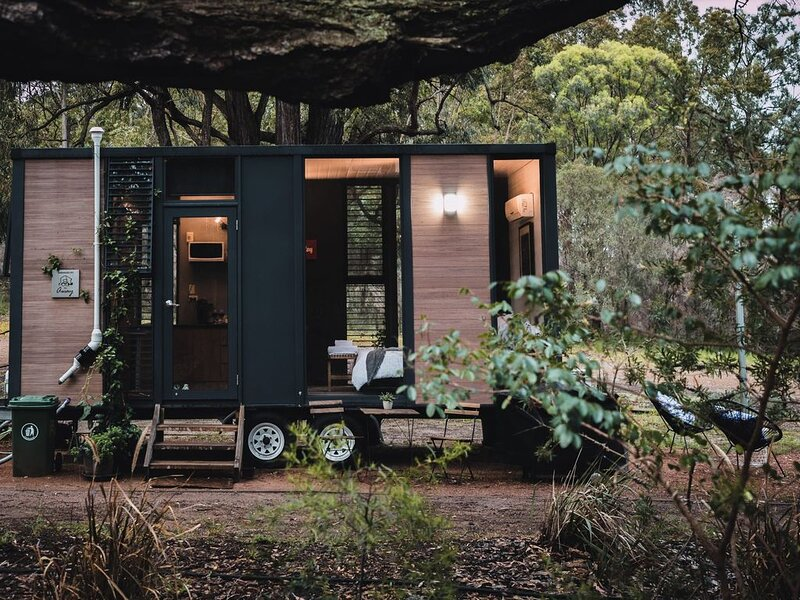 Tiny House 888 Summar, holiday rental in Mount View