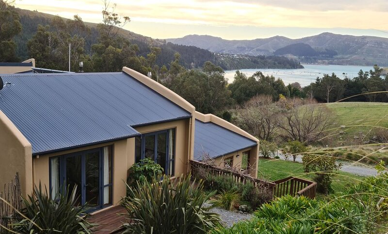 99 Purau - ManaakiMai - Nature at its Best! 2 Bedroom House, casa vacanza a Little River