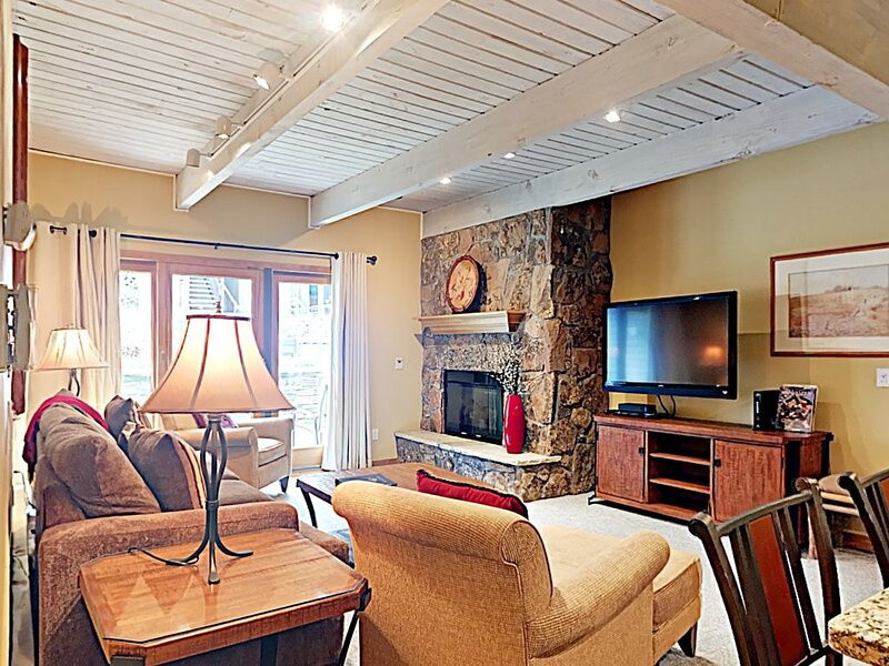 Timberline Deluxe Ski-In/Ski-Out Two Bedroom/Two Bath Condo, location de vacances à Marble