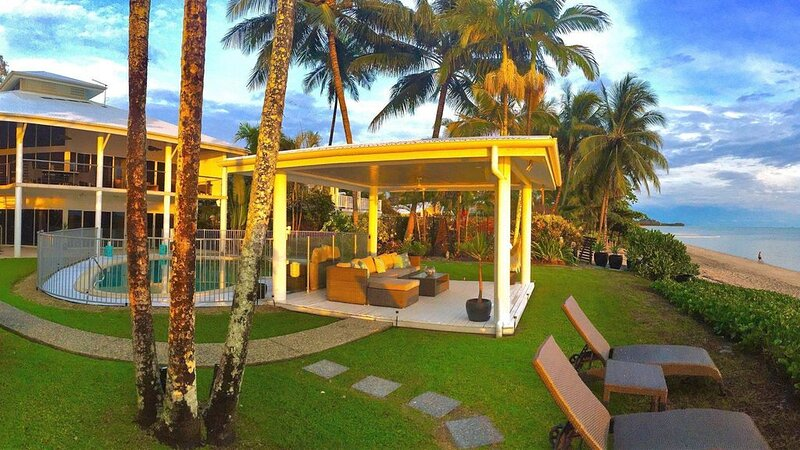 Aqualin On The Beach Luxury Retreat Cairns, holiday rental in Stratford