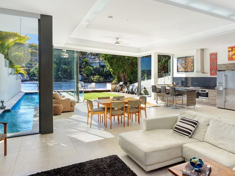 Pittwater Paradise, absolute waterfront, holiday rental in Bilgola