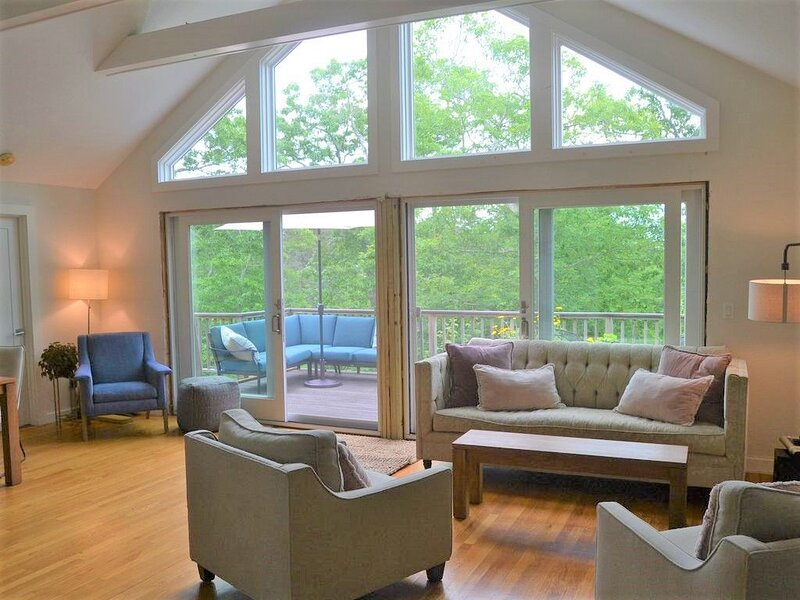 Contemporary home with lots of light, vacation rental in West Tisbury