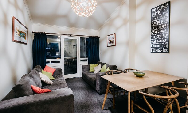 Central Two Bedroom Thredbo  Apartment with great Views, casa vacanza a Kosciuszko National Park