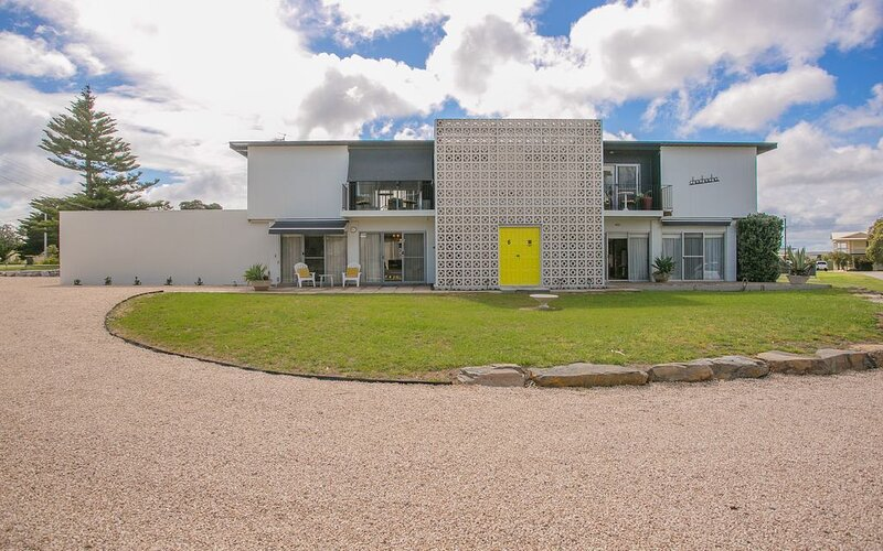 'Que Sera Sera' is a funky mid-century experience in Goolwa South, holiday rental in Goolwa