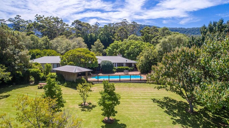 GROVEBROOK FARM HOUSE + COTTAGE - 4pm check out Sundays! Berry & Surrounds, holiday rental in Berry