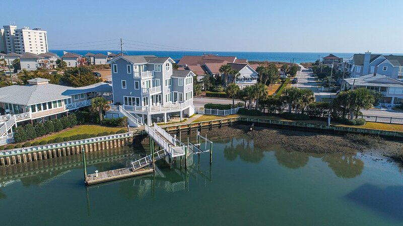 Waterfront! Private Dock & Boatslip!, vacation rental in Wrightsville Beach