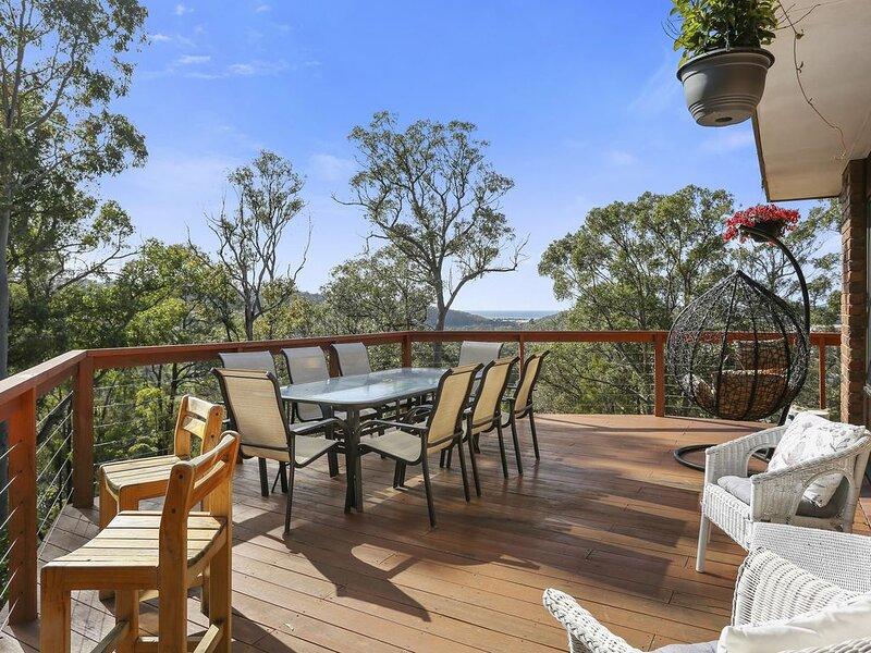BELLA VISTA -Pet friendly home ★ Bushland setting ★ Ocean views, vacation rental in Candelo