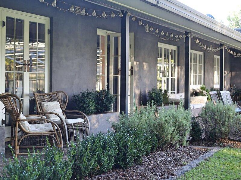 Highlands Lakehouse - Rural Farm Escape, alquiler vacacional en Berrima