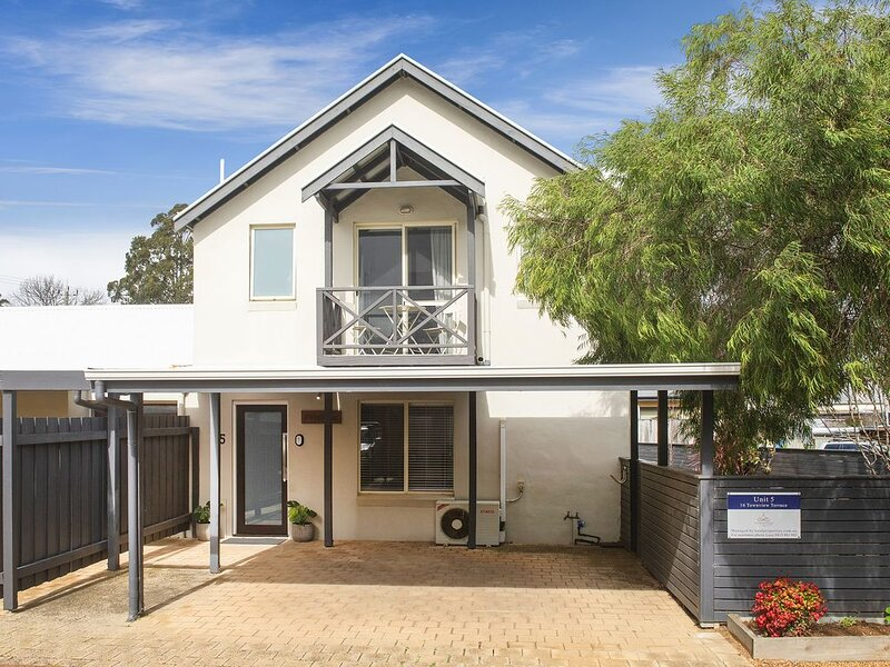 *WineNwaves Margaret River, holiday rental in Witchcliffe