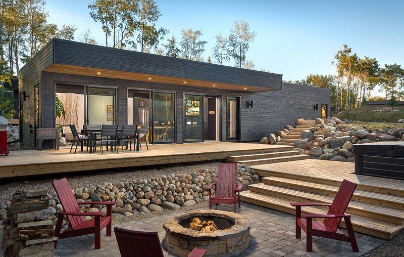 Clear Lake, cabin, hot tub  https://******/maps/xsHvhjvnQouN5i2P7, holiday rental in Manitoba