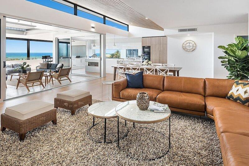 Sea la Vie 2 Luxury Apartment Coffs Harbour Jetty, pool, views, near beach, location de vacances à Sawtell