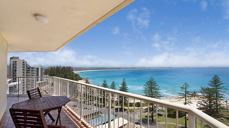 Carool Unit 25 Three Bedroom Apartment in great location and with amazing views, holiday rental in Coolangatta