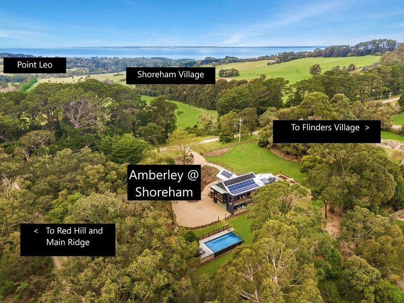 Luxury Shoreham Property Coastal/Rural Views & Pool,  Close to Wineries & Beach, holiday rental in Red Hill