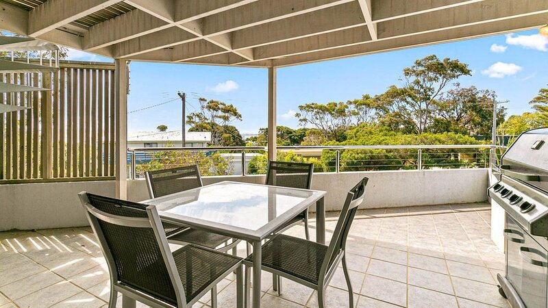 Serenity at Red Rocks - sleeps 10, holiday rental in Somers