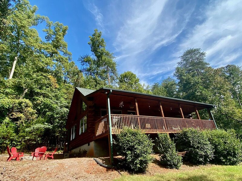 Moonshine Manor: Pet & Kid Friendly - Now Accepting 2021 Reservations – semesterbostad i Lake Lure