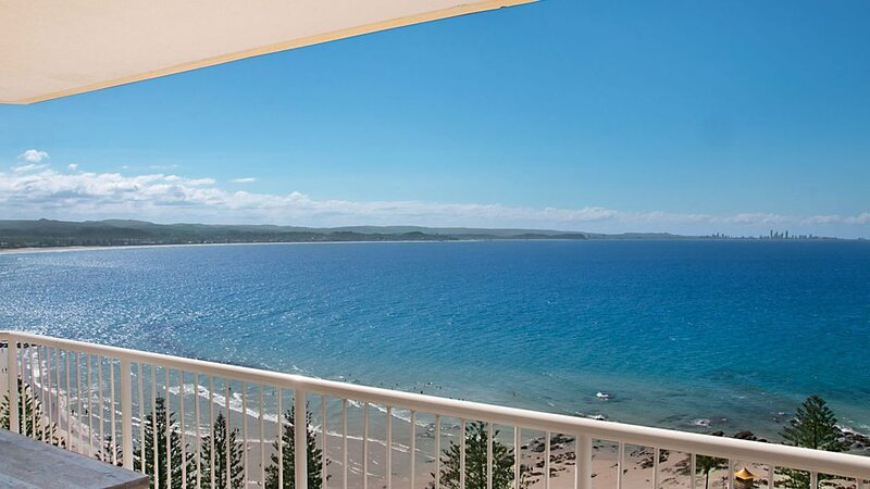 Carool Penthouse Unit 35 Spectacular 180 deg views North and South Tweed Coast t, holiday rental in Coolangatta
