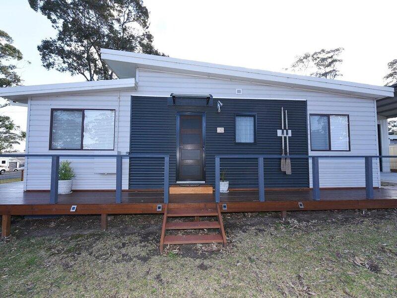 Sandy Shells - Sandy Shells, a beautifully renovated home., holiday rental in Erowal Bay