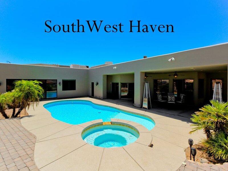 **78'Boat/RV Garage, Pool, Spa, Casita, Lake Views,Near Marina, 4Bedroom,3Bath, holiday rental in Topock