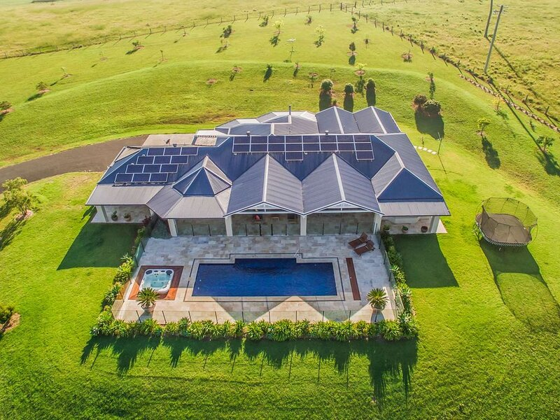 Berry Holiday Accommodation - Cullengetty Estate - on 5 acres - close to beach, holiday rental in Berry