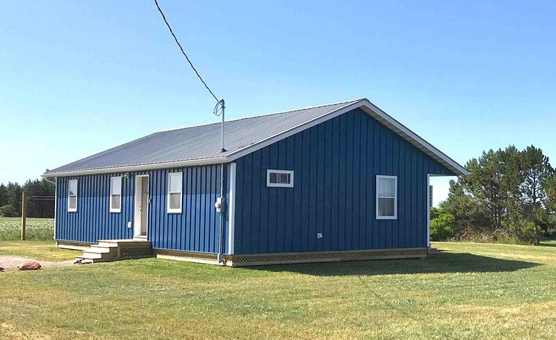 The cottage is perfect for your PEI beach vacation, made for families, sleeps 9. – semesterbostad i Bedeque