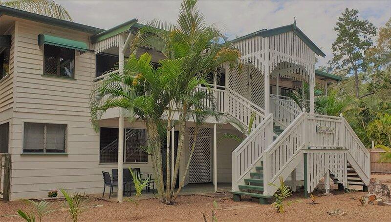 Aloha Apartment * Coco Palms Coastal Retreat, Toogoom Beach, holiday rental in Pialba