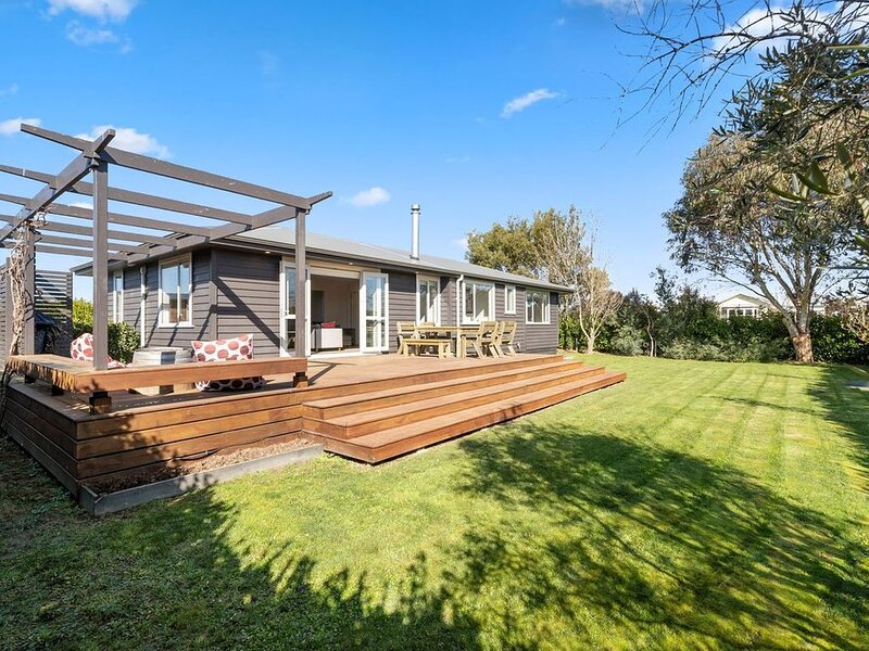 36 on Burgundy - Martinborough Holiday Home, Ferienwohnung in Greytown
