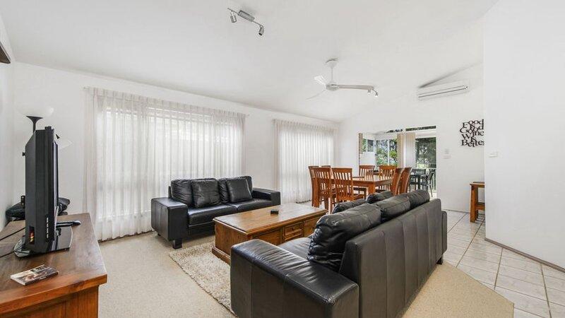 Tranquil at Hibbard - 21 Hibbard Drive, holiday rental in Port Macquarie