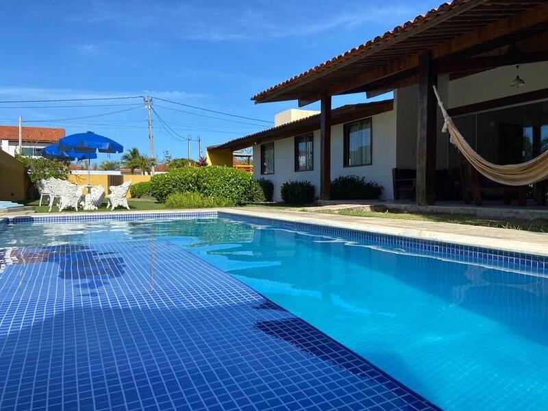 AGRADÁVEL CASA EM PORTO DE GALINHAS COM 4 SUÍTES, alquiler de vacaciones en Estado de Pernambuco