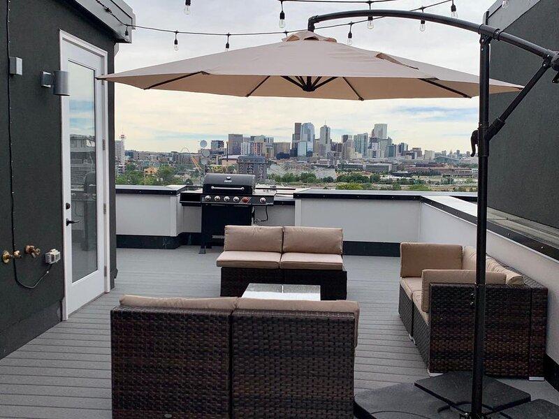 European Hidden Gem | Location² | Spectacular View, holiday rental in Denver