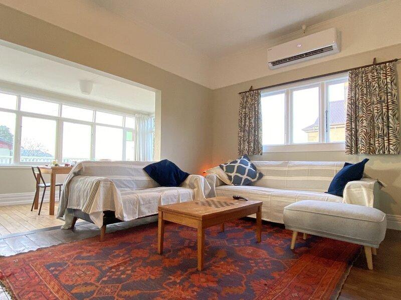 Te Whare Kororā - Little Blue Penguin House, holiday rental in Oamaru