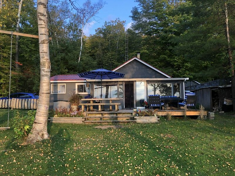 Cordova Sands - On Cordova Lake, Havelock Ontario, vacation rental in North Kawartha